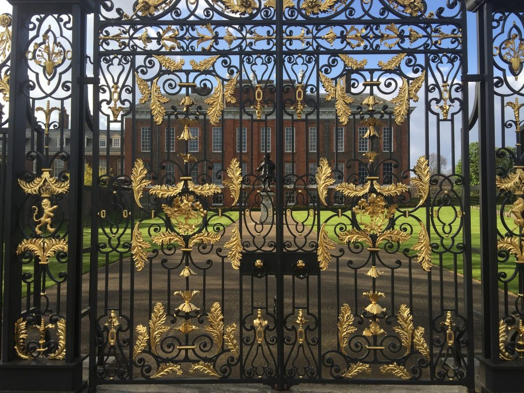 Kensington Palace - Royal Virtual Assistant